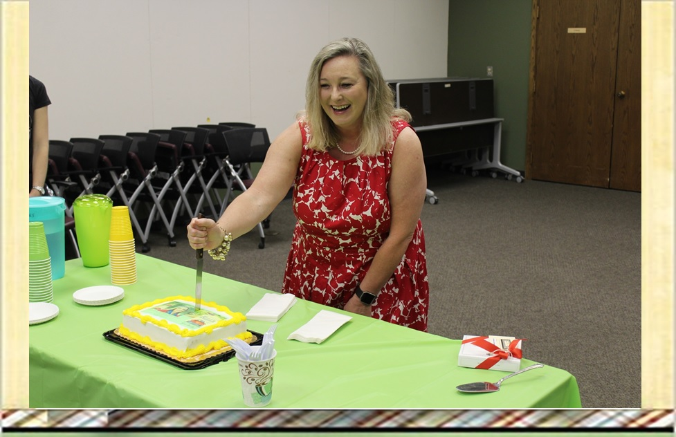 Susan Boyer Stakes Her Cake