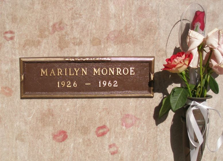 Marilyn Monroe tombstone graphic