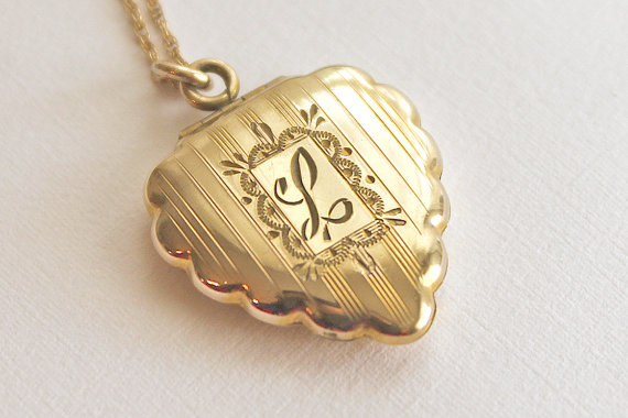 Locket graffic